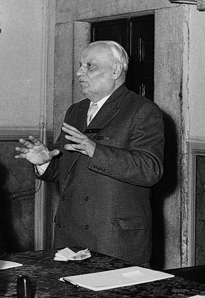 S.I (1953), Pietro Vaccari